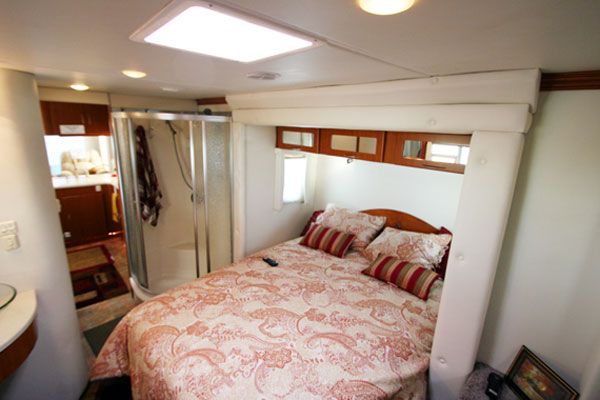 Americana Rv New Sequoyah Custom Fifth Wheel Bedroom And